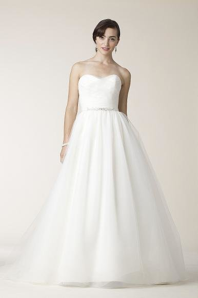 amy-kuschell-wedding-dress-2