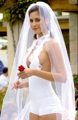 sexy_wedding_gown