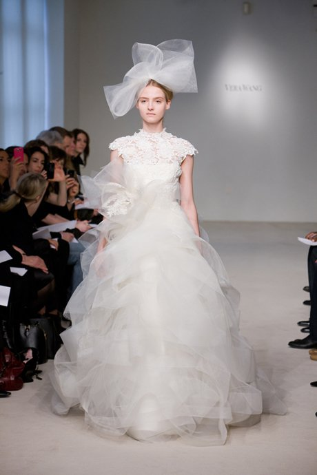 4 vera-wang-wedding-dress-horsehair