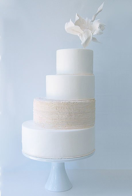 white-wedding-cakes-1